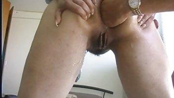 Молодая Подружка Возбуждает Студента На Секс И Трахается По Ходу Подго...